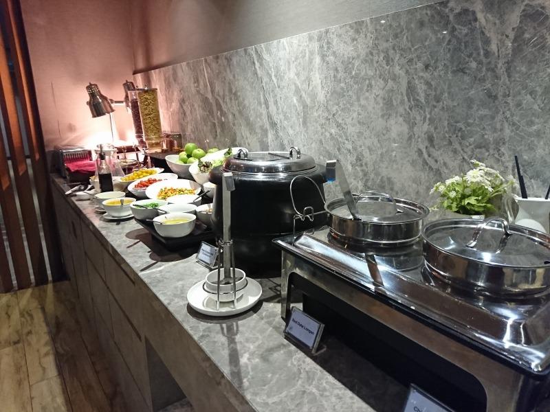 クアラルンプール「Plaza Premium Lounge (KLIA2)」 はシャワーも利用できる空港ラウンジ