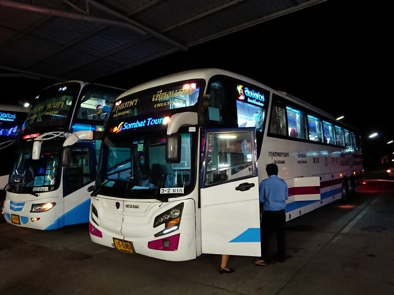 タイ バンコクから地方へ長距離バス(ソムバットツアー)で小旅行