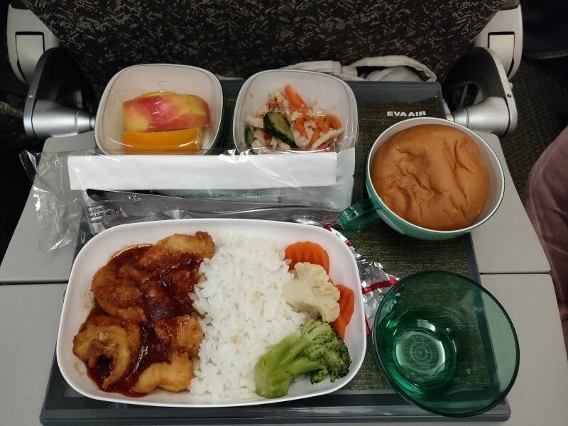 エバー航空(BR61) 台北ーバンコク スワンナプーム空港 エコノミークラス搭乗記
