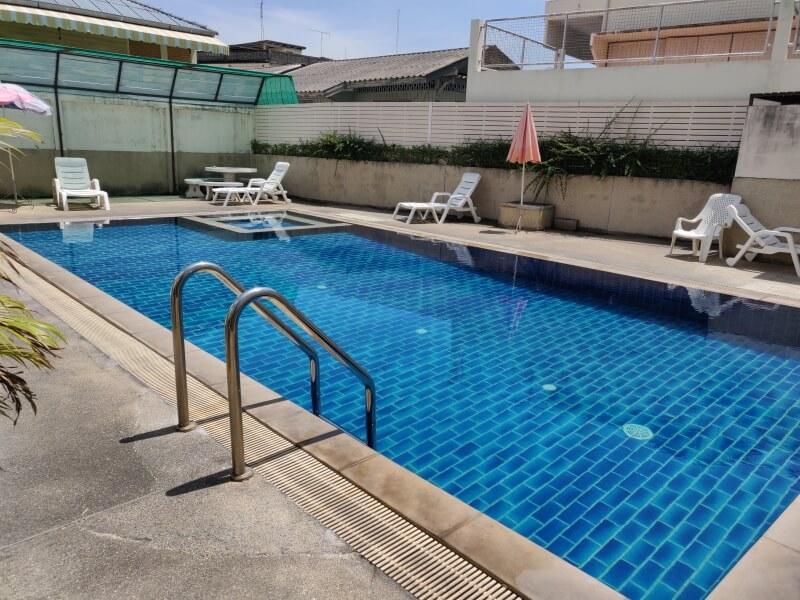 ホアヒンの格安ホテル「バーン マンタナ ホテル (Baan Manthana Hotel)」に宿泊